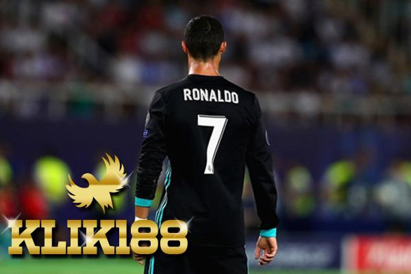 Bersaing Dengan Lionel Messi Membuat Cristiano Ronaldo Senang