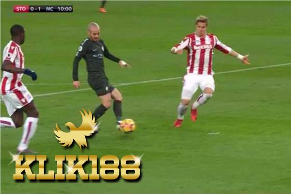 Laporan Pertandingan Sepakbola Stoke City VS Manchester City